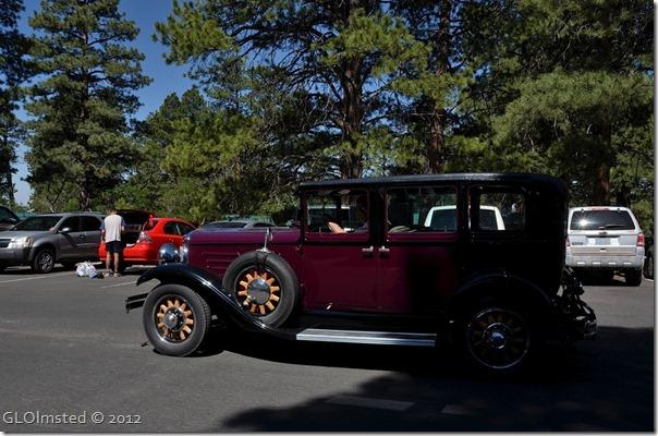 02e Old car in parking lot NR GRCA NP AZ (1024x676)