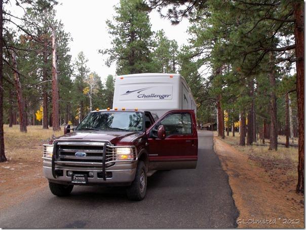 03 Truck & RV leaving NR GRCA NP AZ (1024x768)