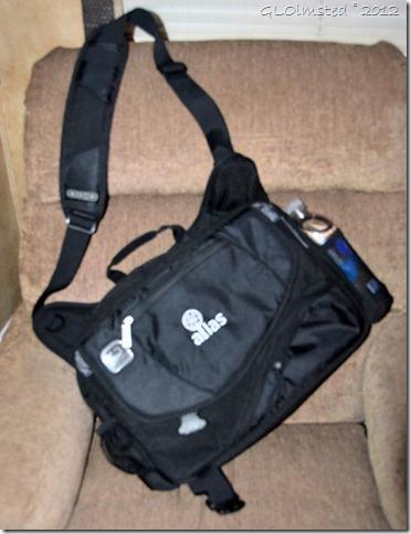 01 180 $10 cross shoulder travel bag from thrift store in Prescott AZ (786x1024)