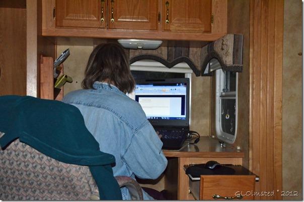01 Gaelyn at the computer Yarnell AZ (1024x678)