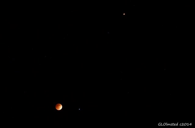Lunar eclipse with star Spica & Mars 12:15am Yarnell Arizona