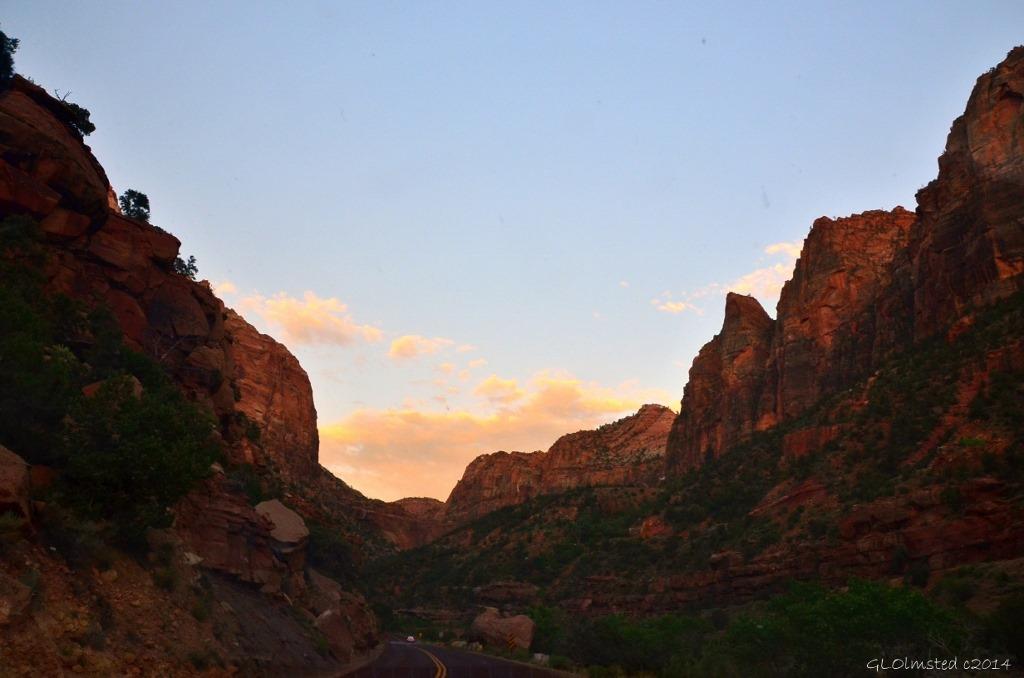 16 DSC_2032 Sunset Zion NP UT g (1024x678)